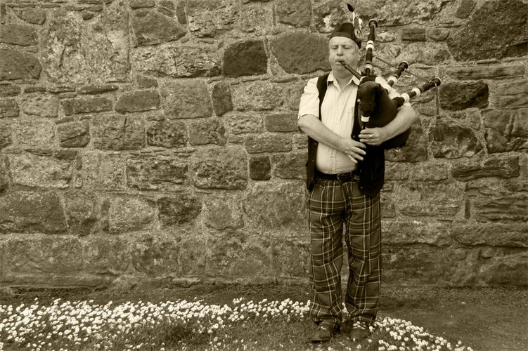 Man with bagpipes - St. Andrew's - Scotland